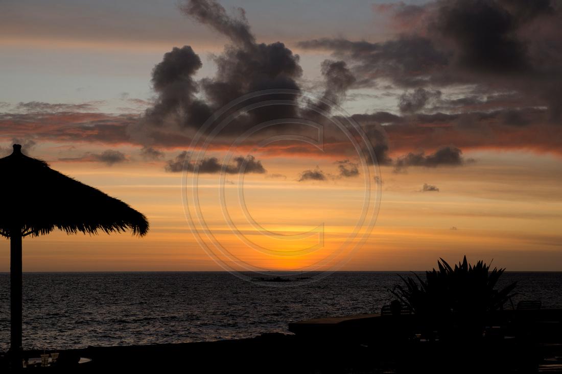 85-19 Sunset Hawaii